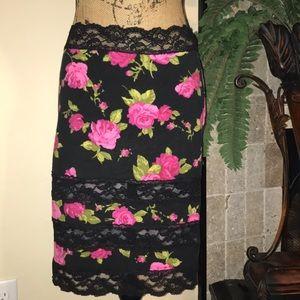 🎉🎉200Ƙ ᗷᒪoᗯoᑌt🎉🎉 Adorable Betsey Johnson Skirt